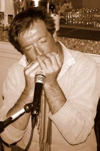 Harvey Robert (guitare, chant)